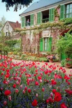 GIverny.....  train trips out of the city