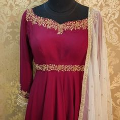 Life is in the details ✨ Salwar Suit Neck Designs, Neck Designs For Suits, Embroidery Suits Punjabi, Kurti Embroidery Design, Bollywood Outfits, Bollywood Fashion, Trendy Dresses, Fashion Dresses, White Embroidered Dress