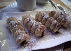 Cannoli di pastasfoglia ripieni di nutella Cookers, Cannoli, Dolce, Nutella, French Toast, Breakfast, Food, Morning Coffee, Essen