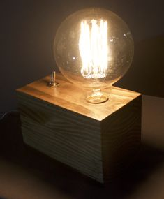 #festaferro #lampara #iluminacion #vintage #industrial #deco #decoracion #madera ventas@festaferro.cl Light Bulb, Industrial, Lighting, Home Decor, Wood, Light Fixtures, Industrial Music, Lights, Interior Design