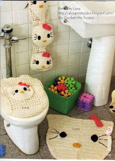 Pattern (In Spanish). Crocheted Hello Kitty Toilet Seat Cover, Holder, and Rug.