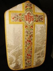 More from that site with gorgeous vestments...
