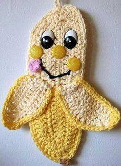 Crochet happy Banana, wall deco, by Jerre Lollman Crochet Potholder Patterns, Crochet Coaster Pattern, Crochet Motifs, Applique Patterns, Crochet Kitchen, Crochet Home, Crochet Gifts, Crochet Hot Pads, Cute Crochet