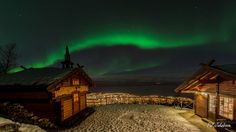 Northern Lights over Narvik Mountain Lodge (с)  Pål Jakobsen
