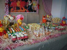 Mesa Decorada Festa Cocoricó