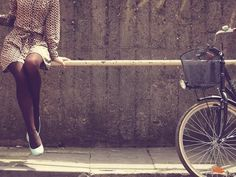 she loves to ride bikes for exercise and plus they are eco-friendly. she has a car but enjoys riding her bike when she isn't working Jessica Rodrigues, Cycle Chic, Bike Style, Vintage Bicycles, Poses, Women Life, My Beauty, Pictures, Image