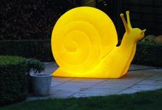 Outdoor snail lamp