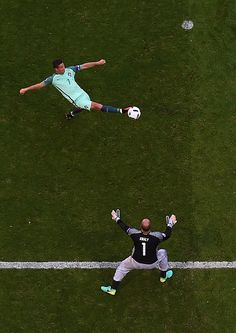 Portugal's forward Cristiano Ronaldo attempts to scores past Hungary's goalkeeper Gabor Kiraly during the Euro 2016 group F football match between. World Football, Football Soccer, 2016 Pictures, European Championships, World Of Sports, Football Match, Pro Cycling, Goalkeeper, Fifa World Cup