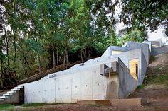 La Casa Tólo – Una Bellísima Cascada de Hormigón en la Naturaleza - EL BLOG DE QUADRATURA ARQUITECTOS