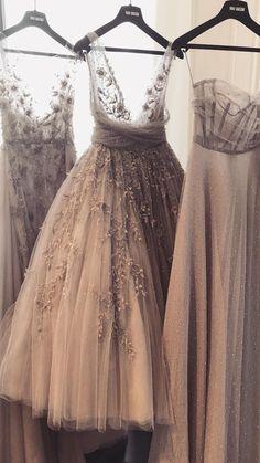 Newest Photo Long prom dresses Rhinestones Strategies ,, Sophisticated, elegant, … Elegant Dresses, Pretty Dresses, Bridesmaid Dresses, Prom Dresses, Formal Dresses, Fairytale Dress, Vestidos Vintage, Bridal Outfits, Dream Dress