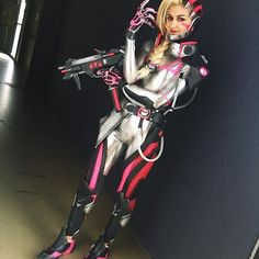 Sombra Overwatch augmented cosplay