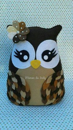 Coruja Owl Sewing, Sewing Dolls, Sewing Crafts, Sewing Projects, Felt Owls, Felt Birds, Felt Animals, Diy Crafts To Do, Owl Crafts