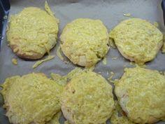 Bezlepkové foccaciny s olivami, sypané sýrem   Pro Alergiky