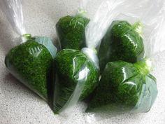Klidmoster.dk: Ramsløgspesto... Pesto, Cucumber, Dips, Brunch, Dessert, Vegetables, Dressing, Sauces, Dip