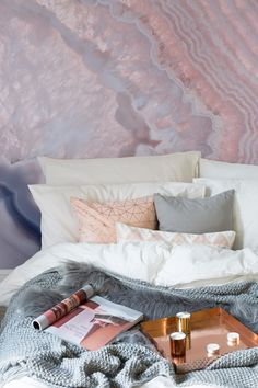 Fine Deco Chambre Rose Et Gris Adulte that you must know, You?re in good company if you?re looking for Deco Chambre Rose Et Gris Adulte Gold Bedroom, Dream Bedroom, Home Decor Bedroom, Fantasy Bedroom, Bedroom Ideas, Blush And Copper Bedroom, Modern Bedroom, Pink Gray Bedroom, Pink Bedrooms