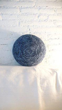 Round Pillow Crochet  Denim por lacasadecoto en Etsy, €24.00