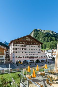 Chalet Silvretta Hotel & Spa**** - Pure Alpine Swissness in Samnaun Montana, Spa Hotel, Hotels, Restaurant, Sauna, Pure Products, Mansions, House Styles, Home Decor
