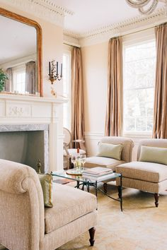 Zero George Hotel Sitting Room | Photography by Corbin Gurkin / corbingurkin.com/ http://zerogeorge.com/ | Style Me Pretty Living