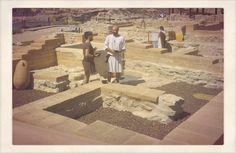El Yacimiento de la Illeta (El Campello) se caracteriza por ser un puerto comercial, debido a su falta de murallas defensivas. Un cartaginés y un íbero comparten un vino.