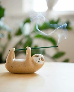 Cute Incense Holder by* Fill your cabinets with mugs that are every bit as rustic and beautiful as the rest of your farmhouse-inspired decor with the handsome Coarse Pottery Mug with Wooden Handgrip. Diy Clay, Clay Crafts, Diy And Crafts, Ceramic Pottery, Ceramic Art, Urban Outfitters Home, Clay Projects, Clay Art, Cheap Home Decor