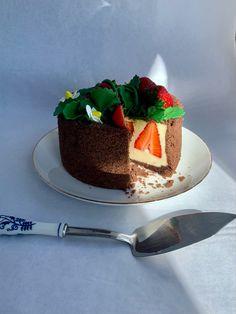Tarta Fraisier Cake, Desserts, Food, French Tips, Pies, Cooking, Tailgate Desserts, Deserts, Kuchen
