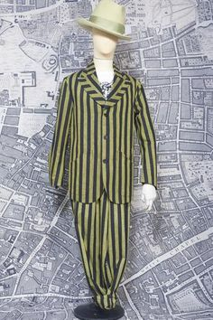 As it was in the time of the Jago the street is our stage! British Hats, Black Linen, Yellow Black, Dandy, Fashion Inspiration, Menswear, Shirt Dress, Children, Jackets