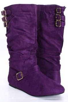 Casual boots for casual look.not that I would ever wear boots so purple.but they're so pretty! Purple Love, All Things Purple, Shades Of Purple, Deep Purple, Pink Purple, Purple Stuff, 50 Shades, Cute Shoes, Me Too Shoes