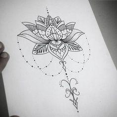 Resultado de imagem para tatuagens femininas delicada pequena  nas costas flecha com flor de lotus