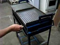 Diy Grill, Barbecue Grill, Folding Table Diy, Parrilla Exterior, Portable Pizza Oven, Argentine Grill, Custom Bbq Pits, Door Design Interior, Metal Dining Table