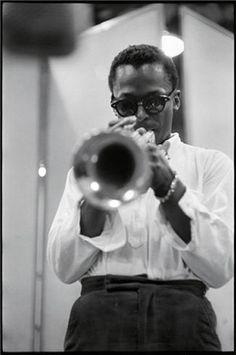 Miles Davis, 1956 | #jazz #people #celebrity http://chroniquesdejazz.com/