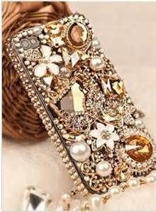 pretty phone cases are the best even with pretty jewels on them.