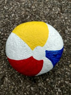 Beach ball rock painting - Beach Ball - Ideas of Beach Ball Rock Painting Patterns, Rock Painting Ideas Easy, Rock Painting Designs, Pebble Painting, Pebble Art, Stone Painting, Painting Art, Paintings, Painted Rocks Craft