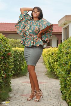 African Wear, African Dress, African Style, Latest African Fashion Dresses, African Print Fashion, Sexy Curves, Sexy Outfits, Dame, Skirt Pants