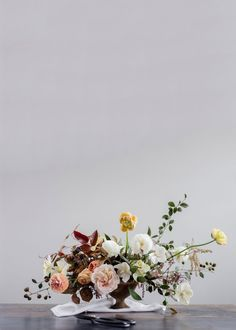 Floral Tutorial :: Ushering in Spring with a Romantic Floral Arrangement