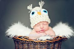 I am going to do this shoot with Baby Noah and his owl hat!    owl newborn boy from www.lisasiddall.com