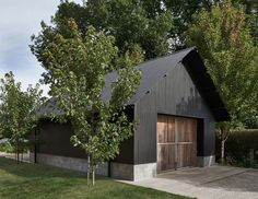 Backyard art studio plans modern shed prefab studio shed. Modern Shed, Modern Barn, Modern Farmhouse, Modern Garage, Garage Design, Exterior Design, House Design, Farm Shed, Barns Sheds