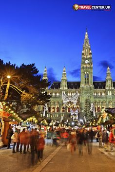 Christmas in Vienna, Austria Cheap Holiday, Holiday Deals, Winter Holiday Destinations, Best Christmas Markets, Travel Center, Vienna Austria, Winter Holidays, Most Beautiful Pictures, Night Life