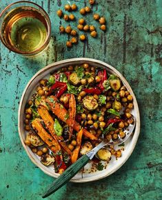 Paahdettu kikhernesalaatti | Kasvis, Salaatit, Lisukkeet, Gluteeniton, Vegaaninen | Soppa365 Salad Recipes, Vegan Recipes, Drink Recipe Book, Grilling Gifts, Food Test, Grilled Meat, Couscous, Healthy Cooking, Soul Food