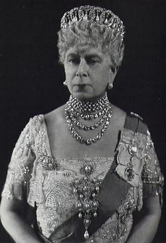 Pearly Queen :Queen Mary 1867-1953. Apparently this lady loved bling! In this photo, the Dowage Queen is wearing the Vladimir Tiara which she bought from the estate of the Russian Grand Duchess Maria Pavlovna after the exiled grand duchess died in France in 1920. Opportunistic and not in the best of taste I believe.