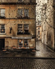Dreaming of being back in Bath soon— I can't wait to see this place in the autumn 🍂🌾 I don't know about you but I'm so glad that October is… Brown Aesthetic, City Aesthetic, Autumn Aesthetic, The Places Youll Go, Places To Go, Street Photography, Nature Photography, The Secret History, Beautiful Places