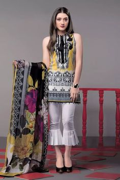 This season, Ethnic by Outfitters Festive Collection 2018 flutters between traditional fantasy and classicism. You will be maharani in your own when you will go to attend any Eid party wearing any number from this summer lawn collection. Pakistani Fashion Casual, Pakistani Dresses Casual, Pakistani Dress Design, Indian Dresses, Salwar Designs, Kurti Designs Party Wear, Blouse Designs, Stylish Dresses, Simple Dresses