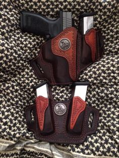 Leather Carving, Leather Tooling, Custom Leather Holsters, Western Holsters, Armas Ninja, Pistol Holster, Leather Projects, Leather Crafts, Leather Pattern