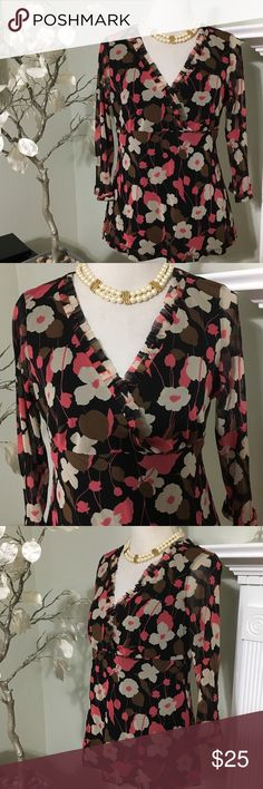 INC TOP Gorgeous top in perfect condition , made of 100% nylon INC International Concepts Tops Blouses