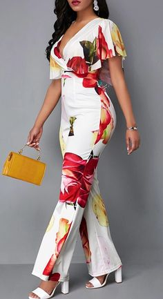 Latest African Fashion Dresses, African Dresses For Women, Chic Outfits, Fashion Outfits, Night Outfits, Summer Outfits, Jumpsuit With Sleeves, Fitted Jumpsuit, Floral Jumpsuit