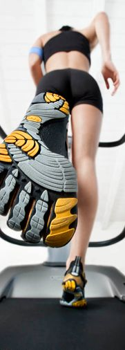 Vibram® FiveFingers® sport shoes- work out routines Barefoot Running, Barefoot Shoes, Finger Shoes, Shoe Advertising, Vibram Fivefingers, Five Fingers, Best Running Shoes, Rubber Shoes, I Work Out