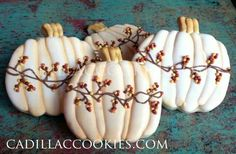 Beautiful pumpkin cookies (frosted sugar cookies halloween)
