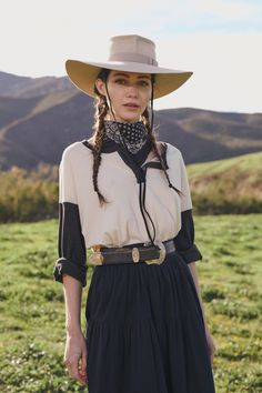 The Great Fall 2020 Ready-to-Wear Fashion Show - Vogue 2020 Fashion Trends, Fashion 2020, Ghost Fashion, Spring Fashion, Autumn Fashion, The Great, Cowgirl Hats, Fashion Show Collection, Personal Style