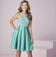 Mezuniyet Elbise Modelleri Yeşil Kısa Halter Yaka Pileli Saten Etek Boncuk İşlemeli