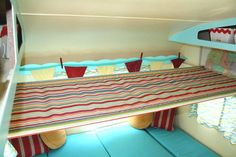 {hammock over dining area that folds down into bed} 1961-shasta-compact-12