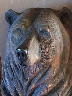 Carved Wood Signs, Bear Head, Tree Carving, Wood Carving Patterns, Tropical Birds, Wooden Art, Totems, Woodcarving, Wood Sculpture